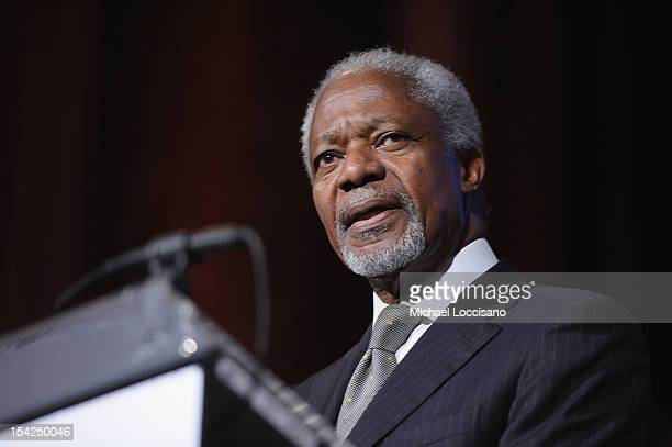 Former Secretary General of the United Nations Kofi Annan addresses the audience during the 2012 Global Leadership Awards Dinner at Cipriani 42nd...