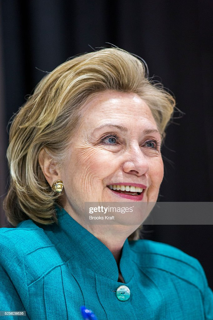 Hillary Clinton Attends Book Signing at Costo in Virginia : News Photo