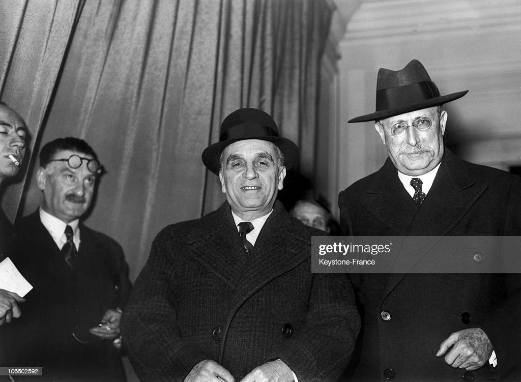 Paul Faure And Leon Blum, In 1940 : Photo d'actualité