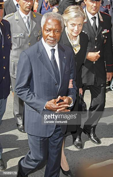 Former SecretaryGeneral of the United Nations Kofi Annan attends Luciano Pavarotti's funeral held in Modena's Duomo on September 8 2007 in Modena...