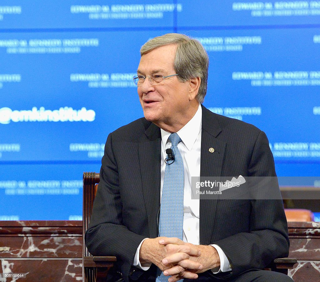 Senators Tom Daschle and Trent Lott at Edward Kennedy Institute