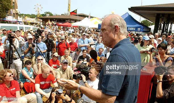 Former Senator from Tennessee Actor and Republican presidential hopeful Fred Thompson speaks at the Des Moines Register's Soapbox at the Iowa State...