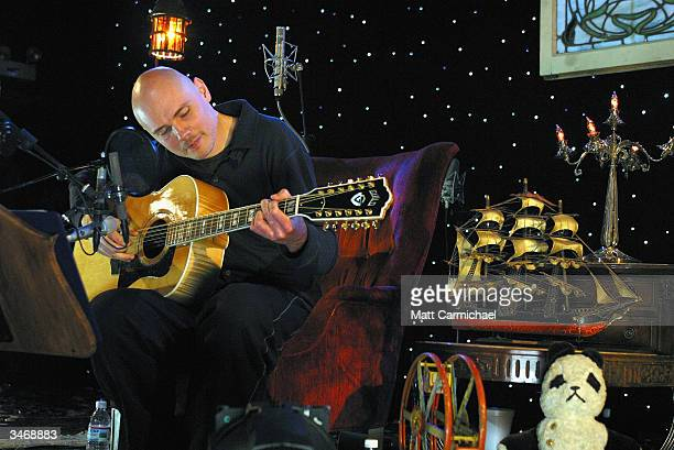 Former Smashing Pumpkins/Zwan frontman Billy Corgan performs his first ever solo acoustic concert at the Metro April 19 2004 in Chicago