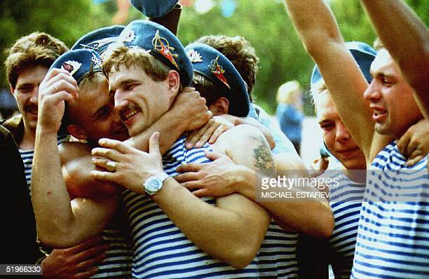 Former soldiers who served in Soviet airborne units in Afghanistan celebrate their reunification during Paratroopers' Day in Moscow's Gorky Park 02...