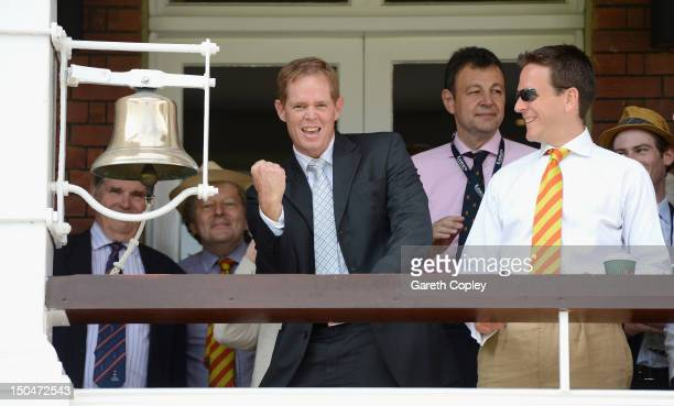 Former South Africa cricketer Shaun Pollock rings the five minute bell ahead of day four of 3rd Investec Test match between England and South Africa...