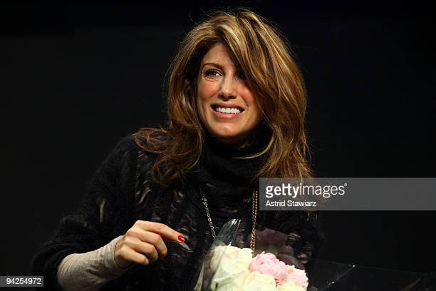 Former student Jennifer Esposito returns to The Lee Strasberg Theatre Film Institute New York to teach a oneday acting class on December 10 2009 in...