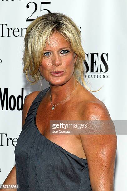 Former supermodel Rachel Hunter attends the Modern Bride's 25 Trendsetters of 2009 awards dinner at The New York Palace Hotel on May 11 2009 in New...