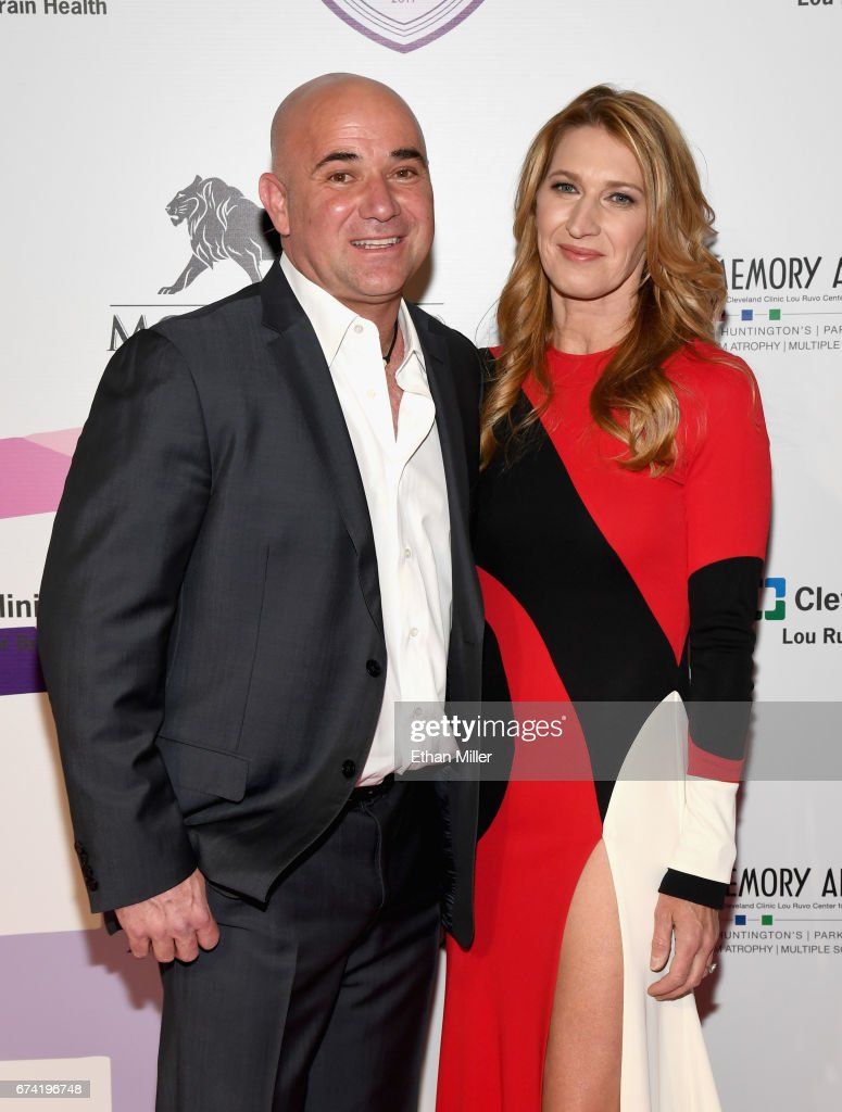 """Keep Memory Alive's 21st Annual """"Power Of Love Gala"""" - Red Carpet"""
