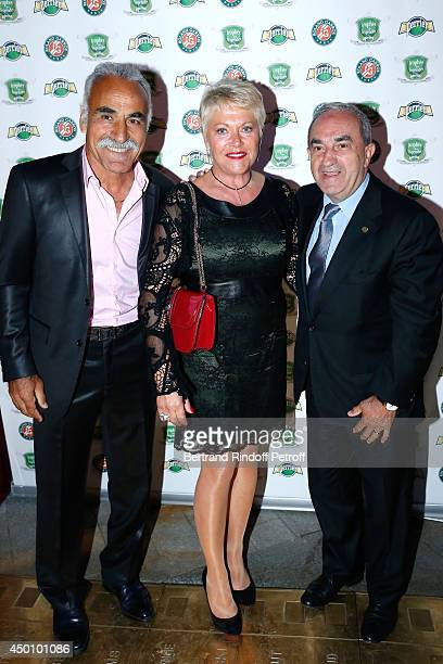 Former tennis player Mansour Bahrami, his wife Frederique and President of FFT Jean Gachassin attend the Legends of Tennis Dinner. Held at Restaurant...