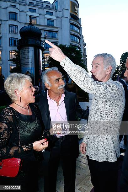 Former tennis players John McEnroe with Mansour Bahrami and his wife Frederique attend the Legends of Tennis Dinner. Held at Restaurant Fouquet's...