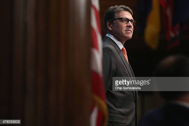 Former Texas Governor and Republican presidential candidate Rick Perry addresses the National Press Club Luncheon July 2 2015 in Washington DC Perry...