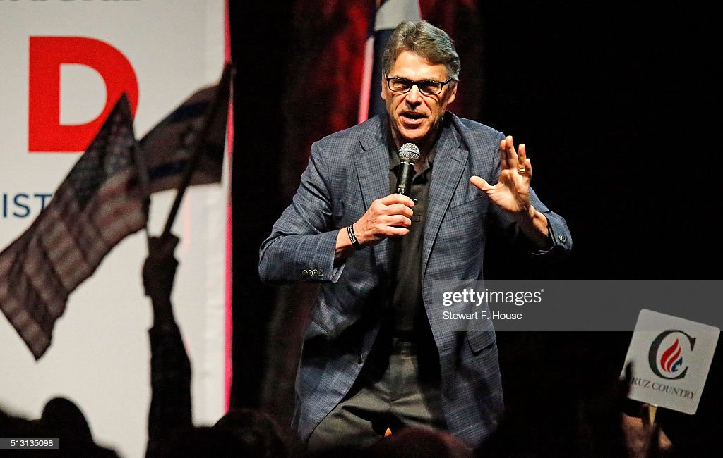 Former Texas Governor Rick Perry speaks at a rally by Republican presidential candidate Sen. Ted Cruz (R-TX) at Gilley's Dallas the day before Super Tuesday February 29, 2016 in Dallas, Texas. Candidates have spread themselves out over the U.S. in the lead up to Super Tuesday where twelve states will hold primary voting.