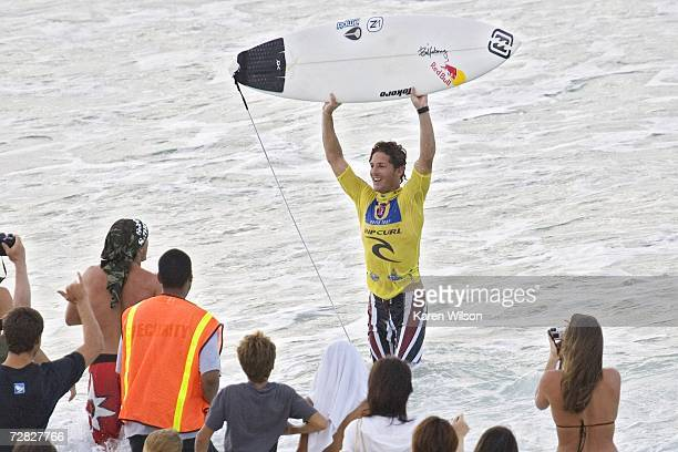 Former three times ASP World Champion Andy Irons seals his fourth Rip Curl Pipeline Masters title as he defeats long time nemesis and eight times ASP...
