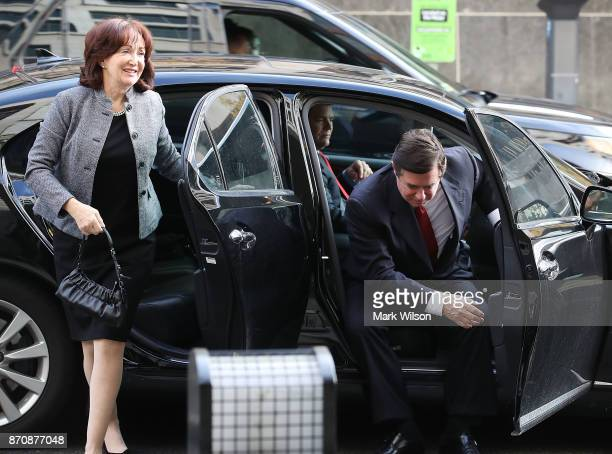 Former Trump campaign manager Paul Manafort and his wife Kathleen arrive at the Prettyman Federal Courthouse for a bail hearing November 6 2017 in...