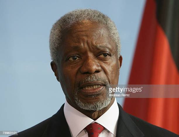 Former UN secretary general Kofi Annan adresses the media during a news conference on April 24 2007 in Berlin Germany Annan met German Chancellor...