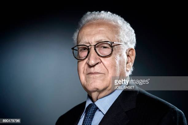 Former United Nations and Arab League Special Envoy to Syria Lakhdar Brahimi poses during a photo session in Paris on December 11 2017 / AFP PHOTO /...
