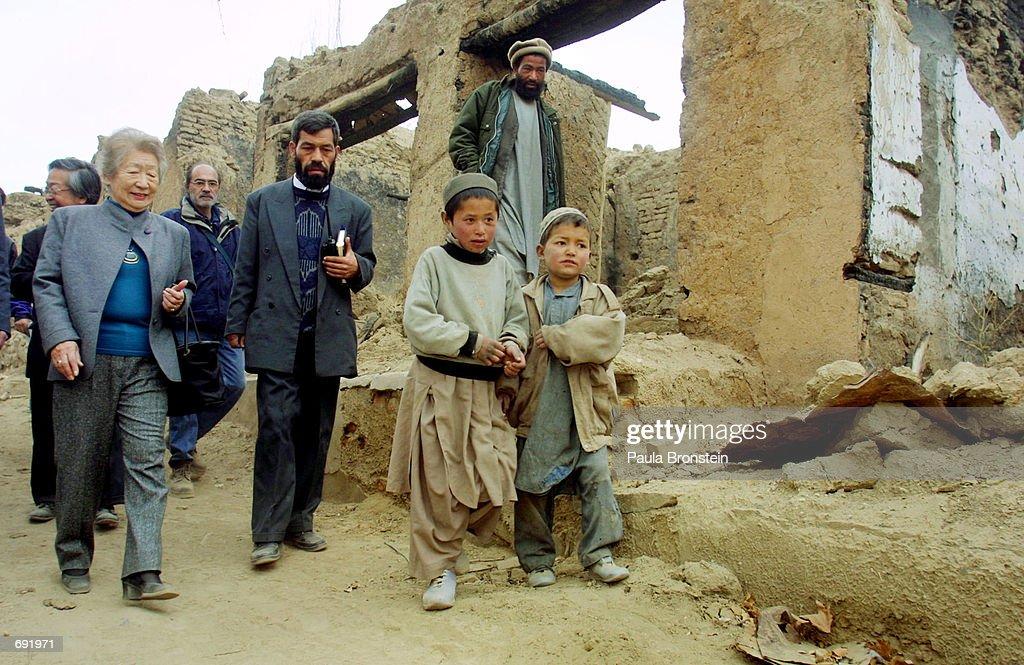 Former UNHCR Tours Afghan Refugee Camps : ニュース写真