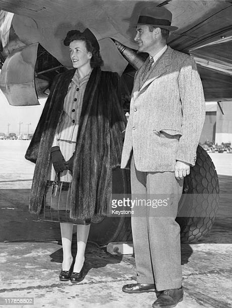 Former US Ambassador to the Soviet Union W Averell Harriman with his daughter Kathleen at Hamiliton Field California before a flight to Washington DC...