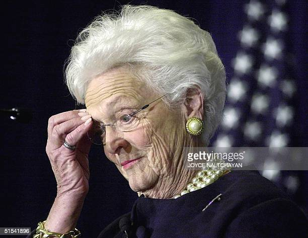 Former US First Lady Barbara Bush campaigns 09 February for her son Republican presidential hopeful George W Bush during a Republican women's rally...