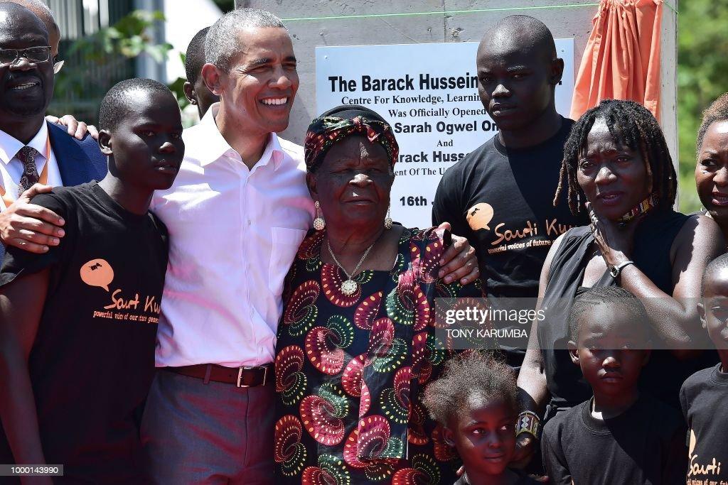 TOPSHOT-KENYA-US-POLITICS-OBAMA : Nachrichtenfoto