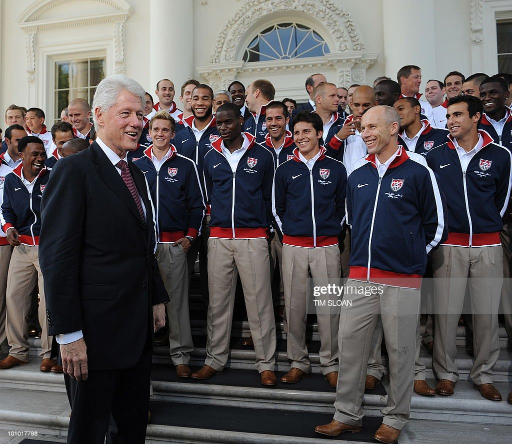 Former US President Bill Clinton arrives for a photo opportunity with the US World Cup Soccer Team on May 27, 2010 at the North Portico of the White House in Washington, DC. AFP PHOTO / Tim Sloan
