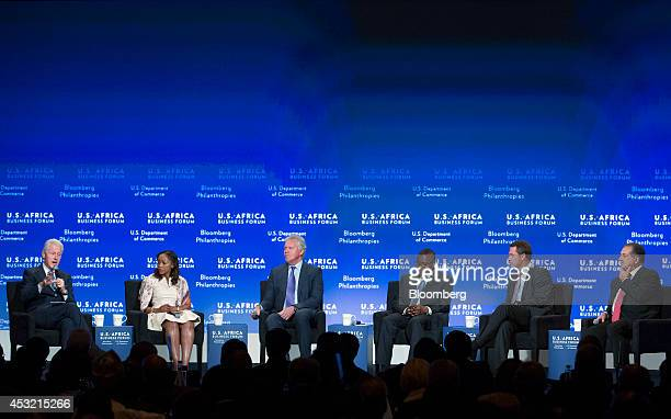 Former US President Bill Clinton from left Phuti Mahanyele chief executive officer of Shanduka Group Jeffrey Immelt chairman and chief executive...