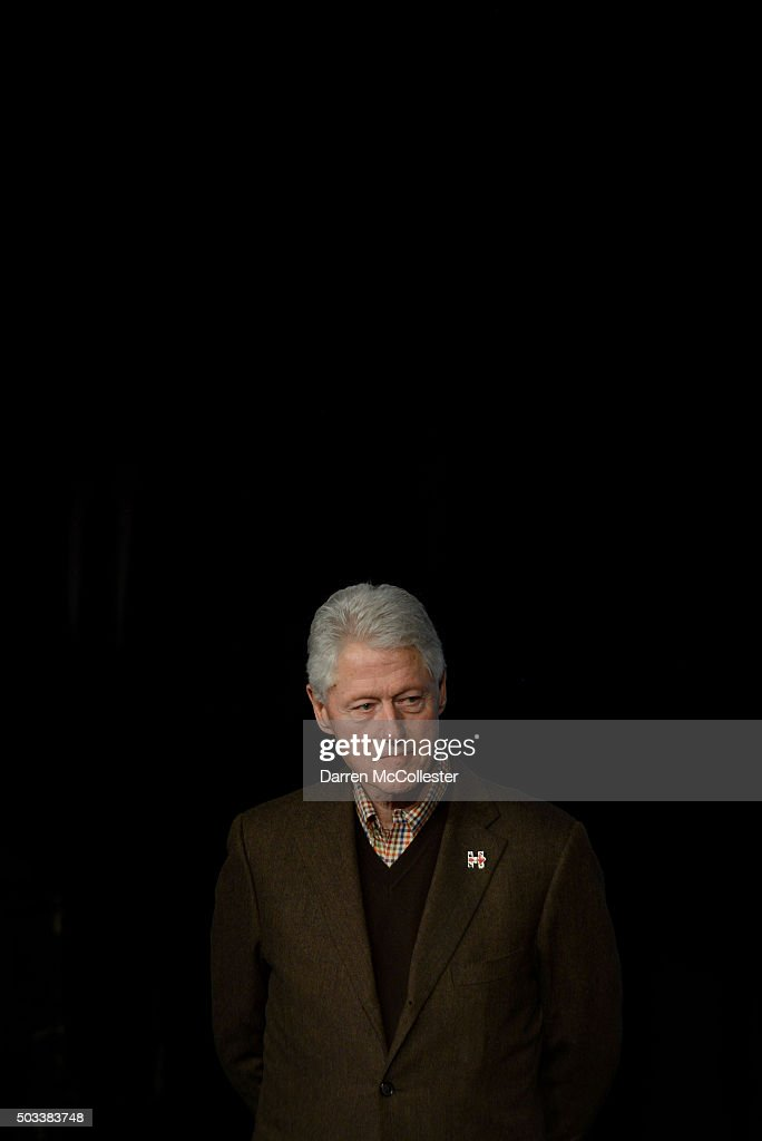 Former U.S. President Bill Clinton is introduced at Exeter Town Hall January 4, 2016 in Exeter, New Hampshire. Bill Clinton spent the day campaigning for his wife, Democratic presidential candidate Hillary Clinton.