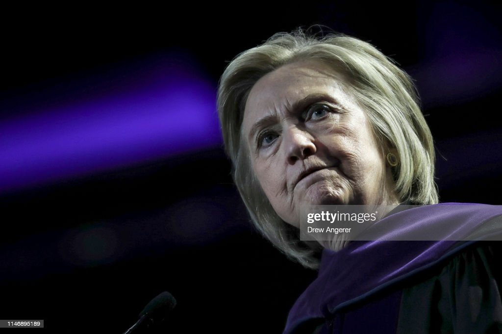 Hillary Clinton Delivers Commencement Address For Hunter College Graduates At Madison Square Gardens : News Photo