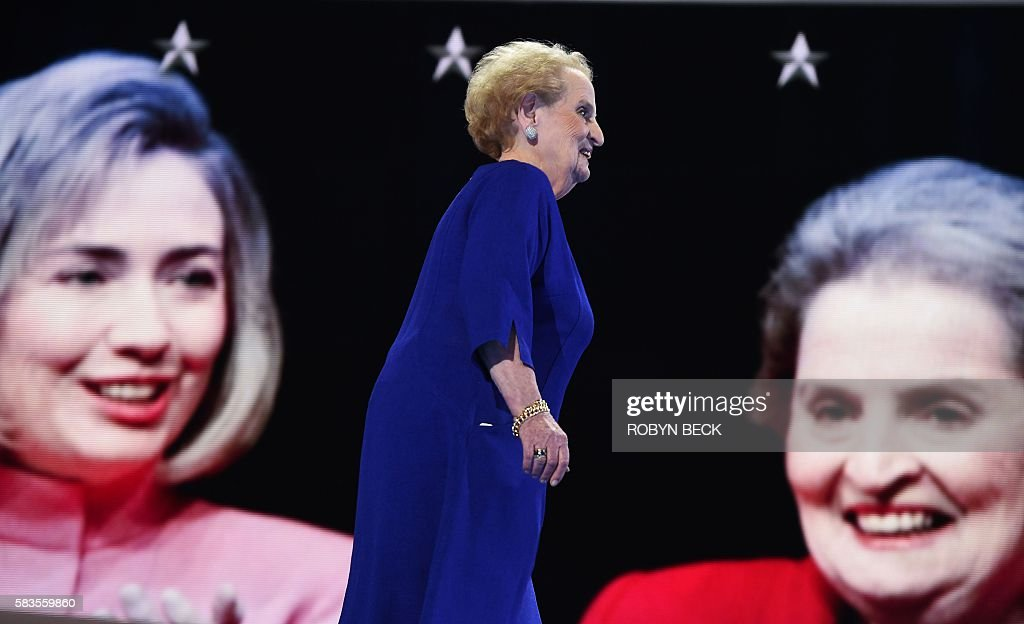 Former US Secretary of State Madeleine Albright arrives to speak on the second day of the Democratic National Convention at the Wells Fargo Center, July 26, 2016 in Philadelphia, Pennsylvania. / AFP / Robyn BECK