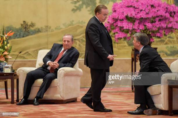 Former US Treasury secretary Lawrence Summers CEO of HSBC Stuart Gulliver and CEO of Royal Dutch Shell Plc Ben van Beurden attend a meeting with...