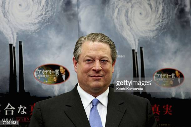 "Former U.S. Vice president Al Gore attends a book signing session for his new book ""An Inconvenient Truth"" at Maruzen bookstore on January 14, 2006..."