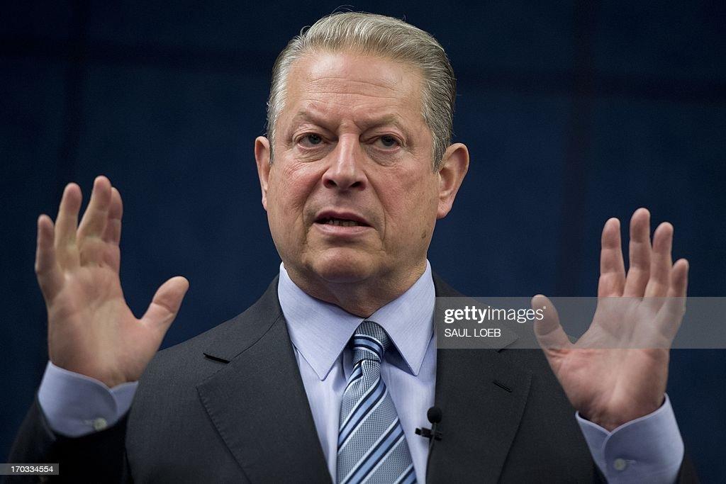 US-POLITICS-CONGRESS-GORE : News Photo