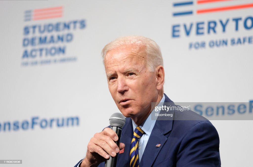 2020 Presidential Candidates Speak At Urgent Gun Safety Forum : News Photo