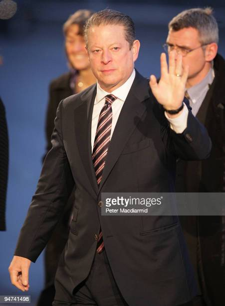 Former US VicePresident Al Gore arrives for the final day of the UN Climate Change Conference on December 18 2009 in Copenhagen Denmark World leaders...