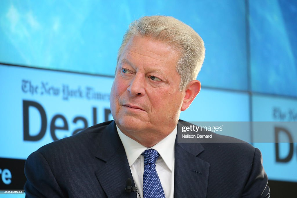 The New York Times 2015 DealBook Conference : News Photo