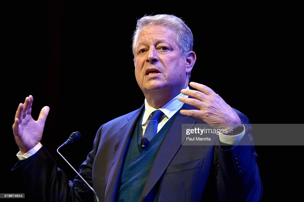 Al Gore Discusses 'Confronting The Climate Crisis: Critical Roles For The US And China' : News Photo