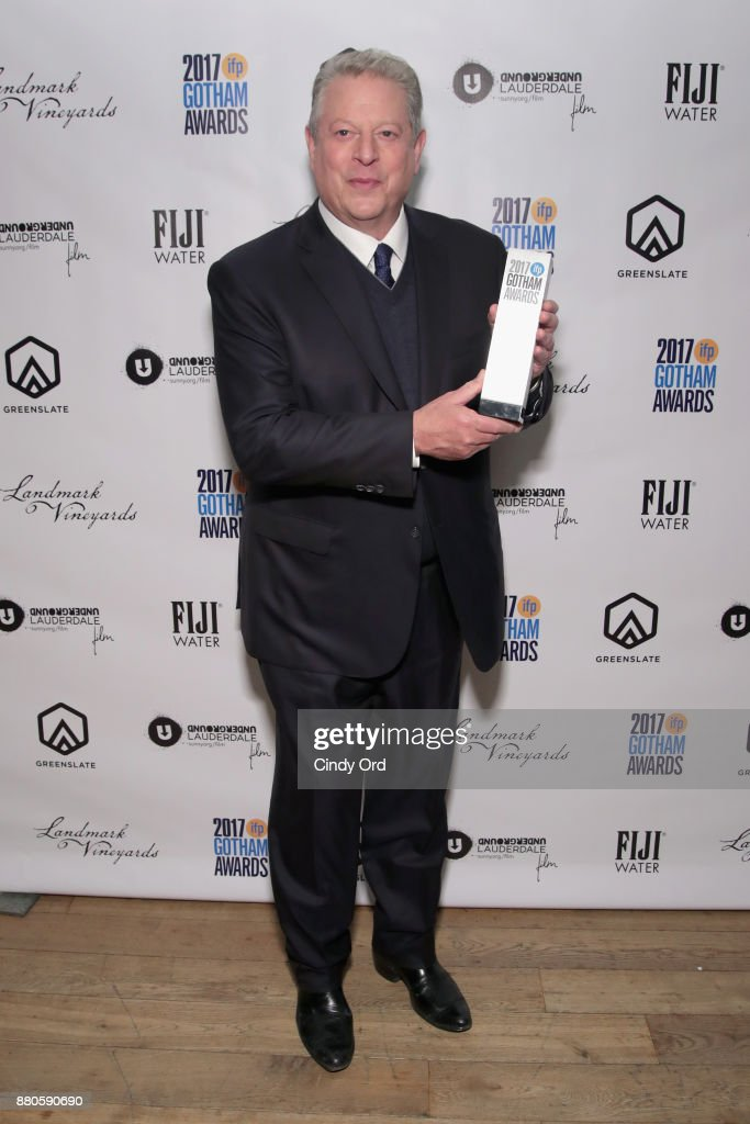 Former Vice President Al Gore poses with his award backstage during IFP's 27th Annual Gotham Independent Film Awards on November 27, 2017 in New York City.