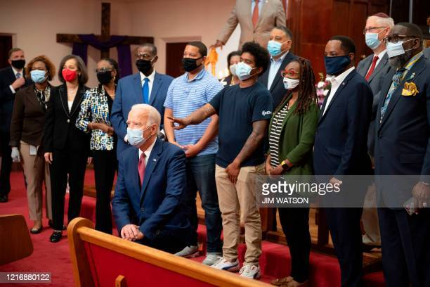 TOPSHOT Former vice president and Democratic presidential candidate Joe Biden meets with clergy members and community activists during a visit to...