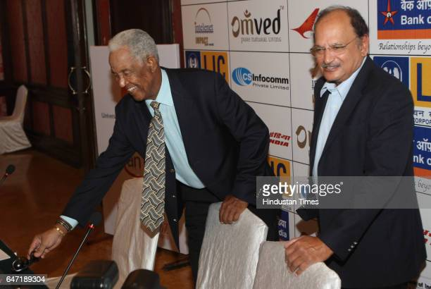 Former West Indiancricket player Sir Garry Sobers and former India captain Ajit Wadekar at a press conference at MCA Recreational Centre BandraKurla...