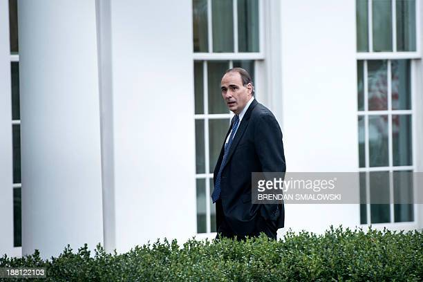 Former White House advisor David Axelrod walks into the West Wing of the White House on November 15 2013 in Washington AFP PHOTO/Brendan SMIALOWSKI