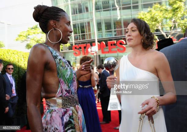 Former WNBA player Lisa Leslie and basketball player Breanna Stewart winner of Best Female College Athlete attend The 2014 ESPY Awards at Nokia...