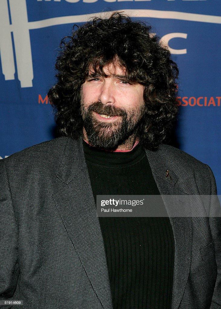 8th Annual Muscular Dystrophy Association's Muscle Team 2005 Gala : News Photo