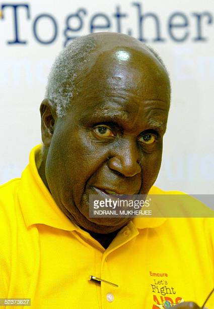 Former Zambian president Dr Kenneth Kaunda addresses a press conference on HIV/AIDS in Bombay 11 March 2005 Kaunda who lost his son Masuzyo to the...