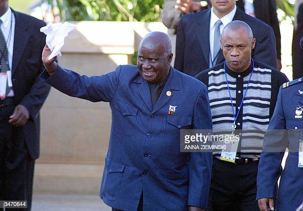 Former Zambian President Kenneth Kaunda arrives at the Union Buildings Pretoria 27 April 2004 for the inauguration of South African President Thabo...