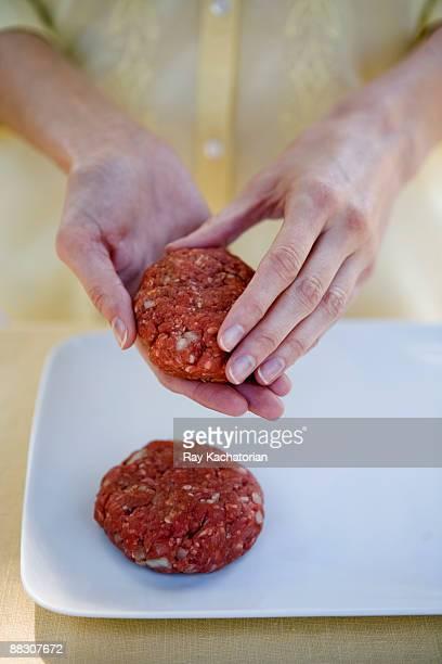 Forming hamburger patties
