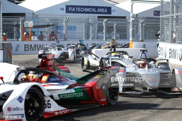 Formula E cars race during the 2019 New York City ePrix on July 13, 2019 in New York City.