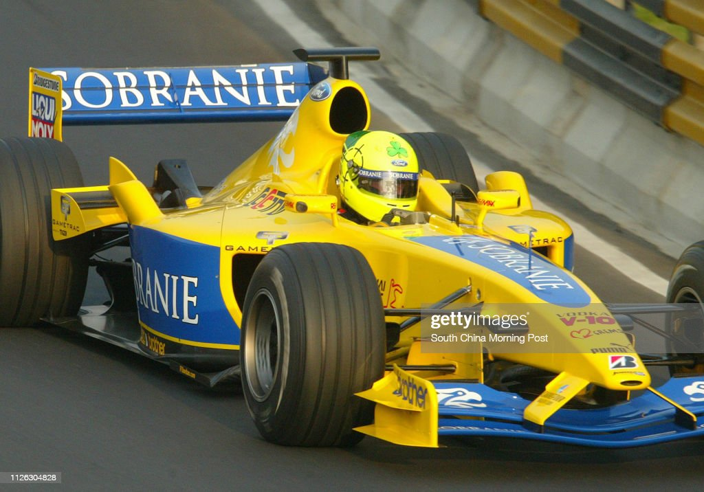 Formula one racer Ralph Firman takes the Jordan Formula One car through the Guia circuit in a dmeonstration drive during the 50th Macau Grand Prix. 15 November 2003 : News Photo