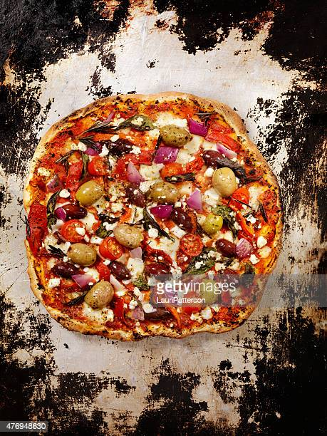 forno oven pizza, mediterranean pizza - feta cheese stock pictures, royalty-free photos & images