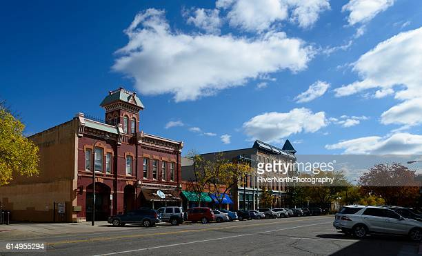 fort collins street scene in autumn - fort collins stock pictures, royalty-free photos & images
