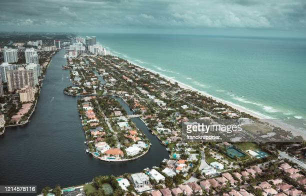 fort lauderdale aerial view - barrier_islands stock pictures, royalty-free photos & images